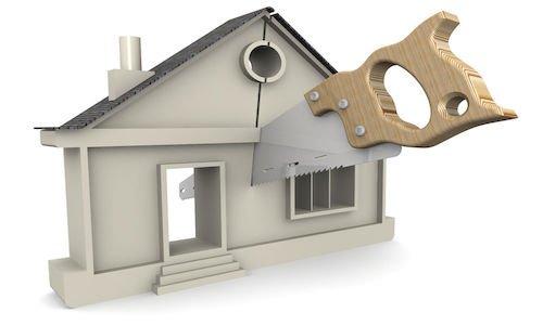 Se due persone ereditano una casa che non si può dividere che succede?