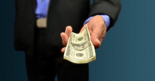C'è un limite nel donare denaro a un parente?