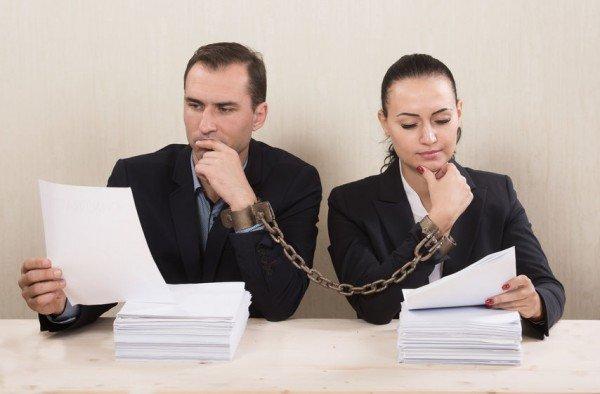 Bonifico stipendio moglie sul conto del marito