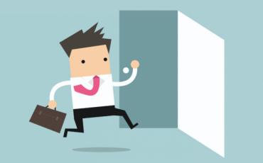 Dipendente esce durante la malattia, cosa rischia?