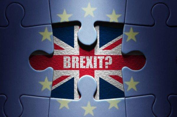 Brexit: che devono fare gli italiani che vivono e lavorano nel Regno Unito