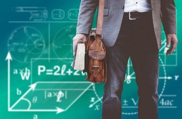Docenti universitari: quando possono fare un doppio lavoro