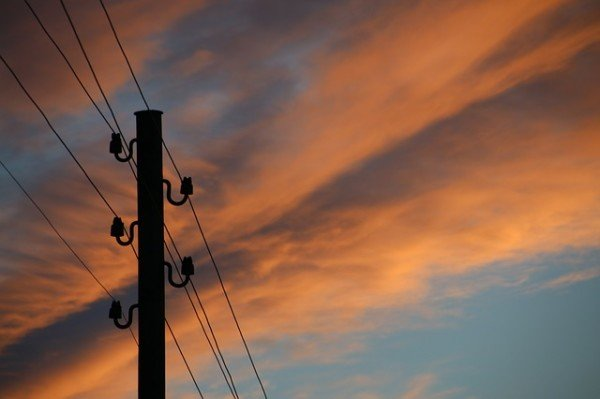 Tracce Telecom: devo farle passare in casa mia se servono al vicino?