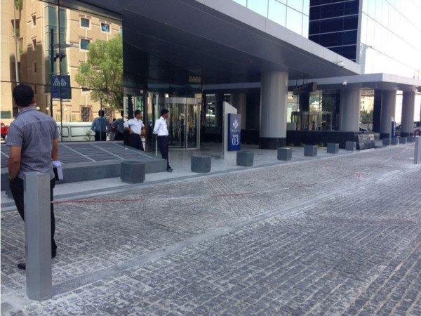 Catena del parcheggio rasoterra: risarcimento per la caduta