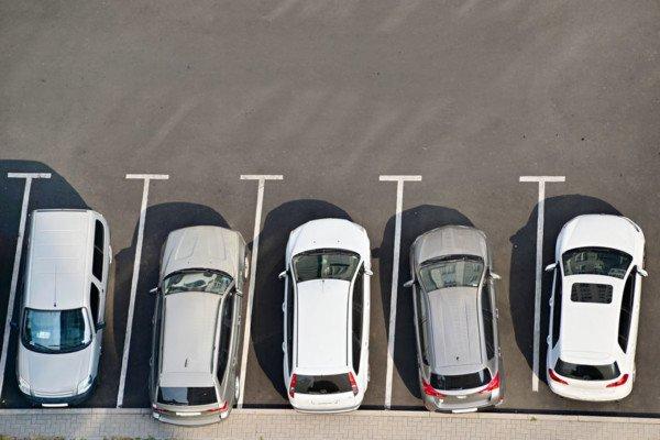 Parcheggio condominiale scomodo: che fare