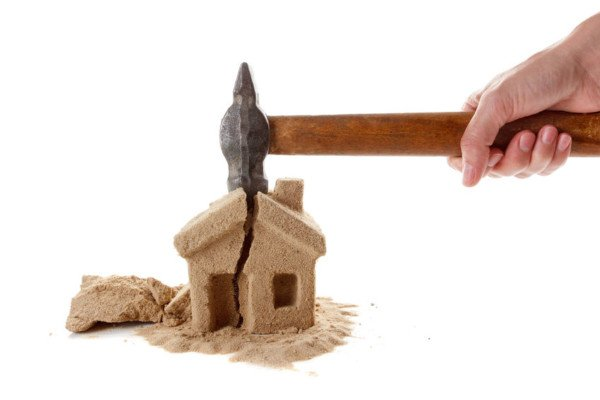 Casa con ipoteca della banca: si può donare o vendere?