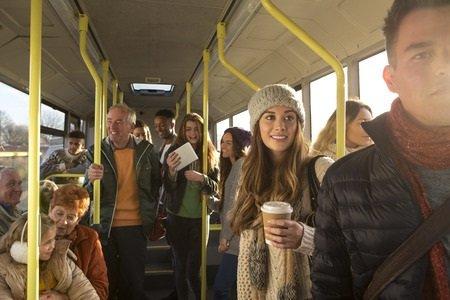 Sul bus senza biglietto: multa fino a 200 euro