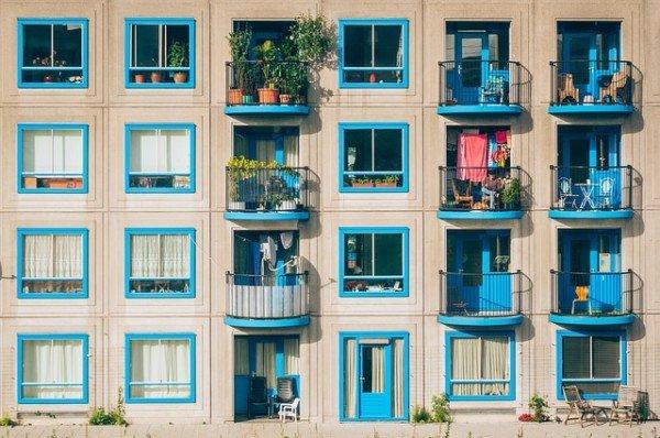 Distanze di tettoie e verande tra balconi e terrazzi