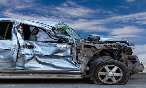 La Spezia: auto contro muro in via Antoniana, muore una quindicenne