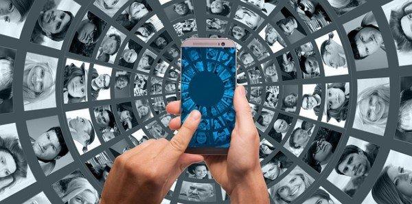 Separazione: gli sms sono prova del tradimento