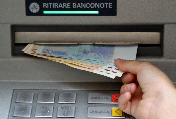 Prelievo in banca, quali rischi?