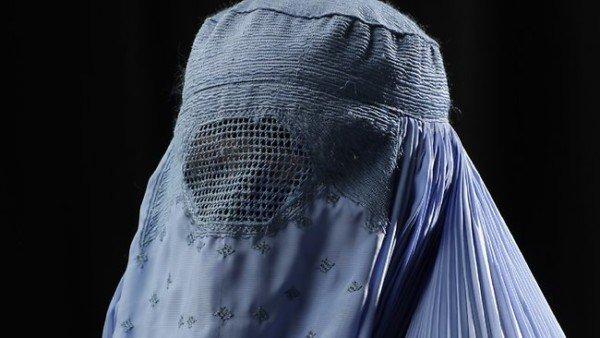 Burqa vietato sul lavoro e nelle amministrazioni