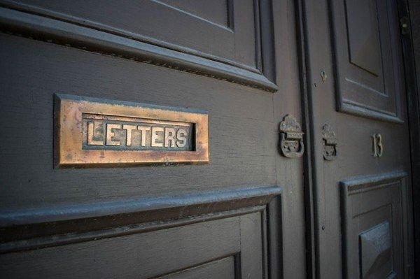 Che rischio se accetto lettere o raccomandate di altre persone?