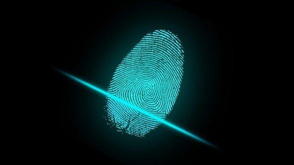 Che succede se qualcuno usa la firma digitale altrui?