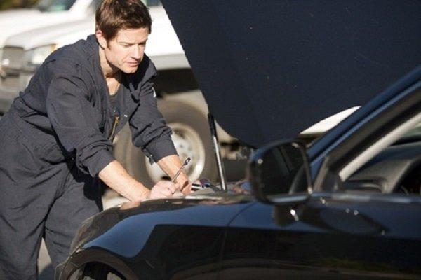 Revisione auto scaduta, può arrivare una multa?