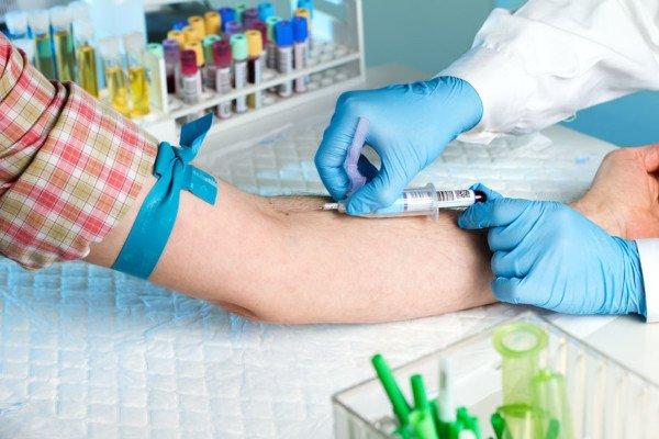 Imporre il prelievo del sangue senza consenso è vietato