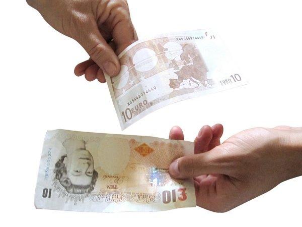 Devo pagare io i contributi agli operai assunti da mio marito?