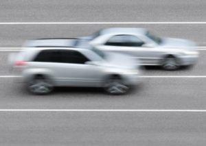 È vietato il sorpasso nelle strade a senso unico?