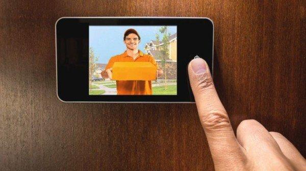 Spioncino digitale: è legale la telecamera nella porta di casa?