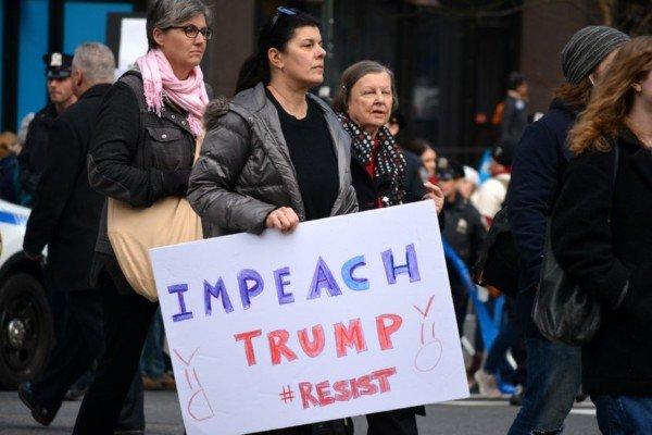 Così si rimuove il presidente Usa: come funziona l'impeachment