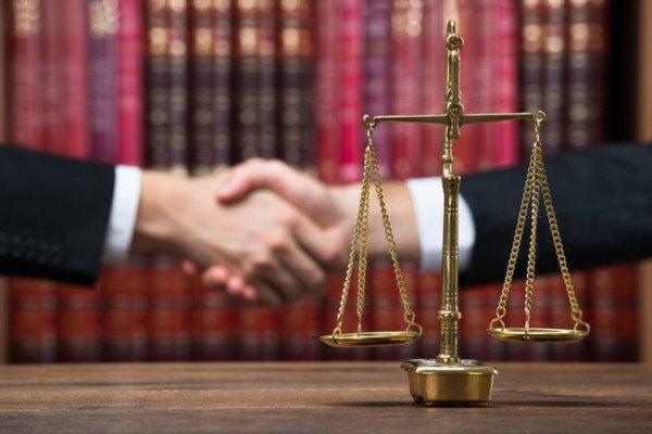 Mediazione: avvocato non più obbligatorio