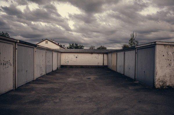 All'ex moglie spetta il garage oltre alla casa?