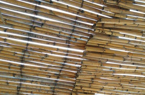 Realizzare una tettoia: permessi e accatastamento