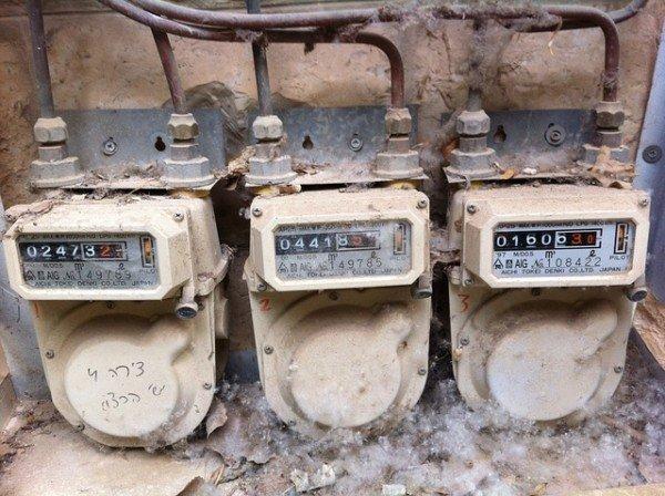 Allaccio al contatore della luce condominiale: cosa si rischia?