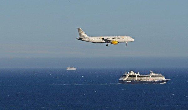Biglietti aerei e navi: vietate le sorprese