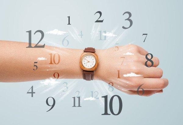 Se un dipendente arriva sempre tardi, che fare?