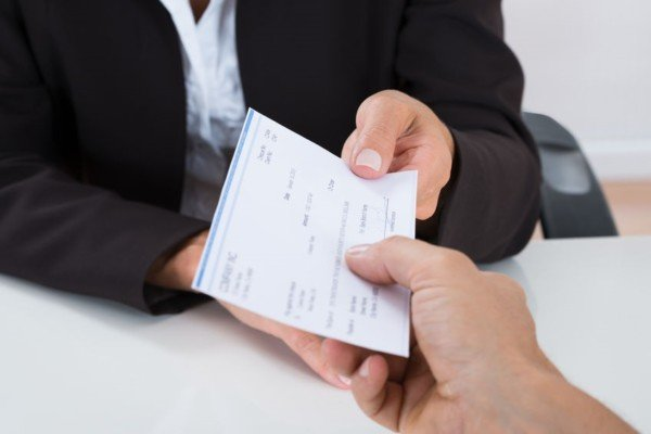 Come bloccare un assegno
