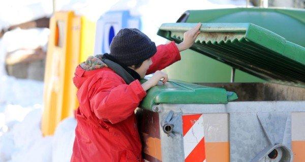 Cassonetti della spazzatura: colori uguali in tutta Italia