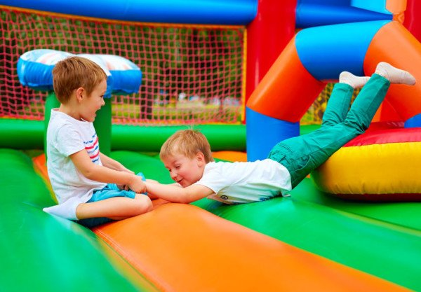 Ludoteca: se un bambino si fa male spetta il risarcimento?