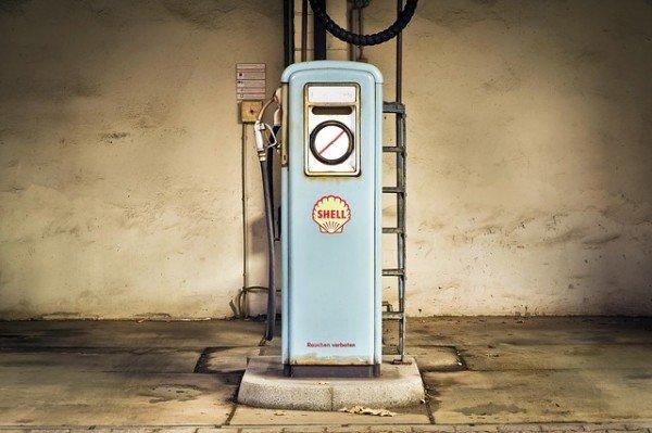 Scheda carburante e detrazione benzina: come funziona?