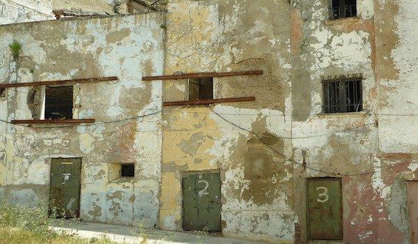 Case abbandonate: il Governo pensa di assegnarle agli abusivi