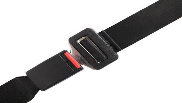 Cintura di sicurezza auto: con dolori al fianco posso non metterla?