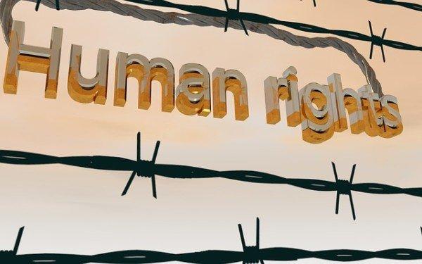 Cosa sono i diritti umani?