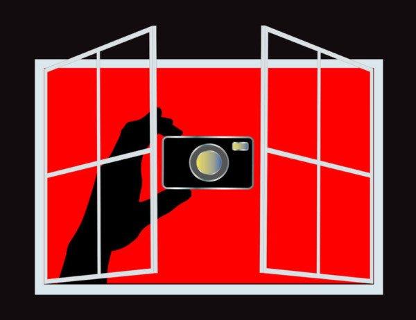 È lecito fotografare il vicino in casa sua?