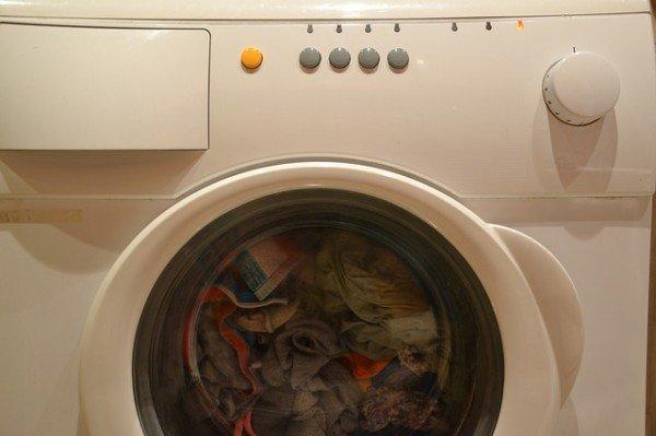 Affitto: chi paga la lavatrice rotta