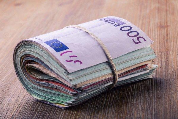 Versamenti in banca: se non giustificati, tassati due volte