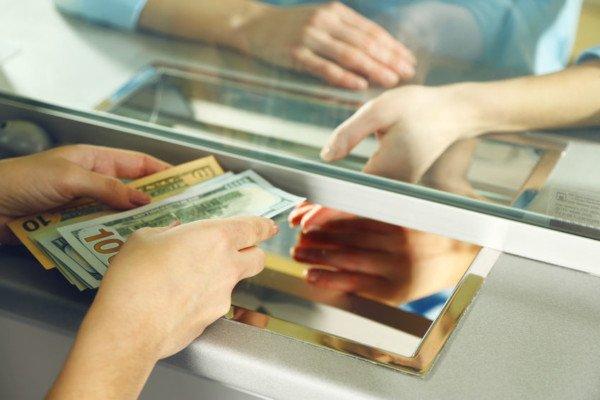 I contanti versati sul conto corrente vanno tassati