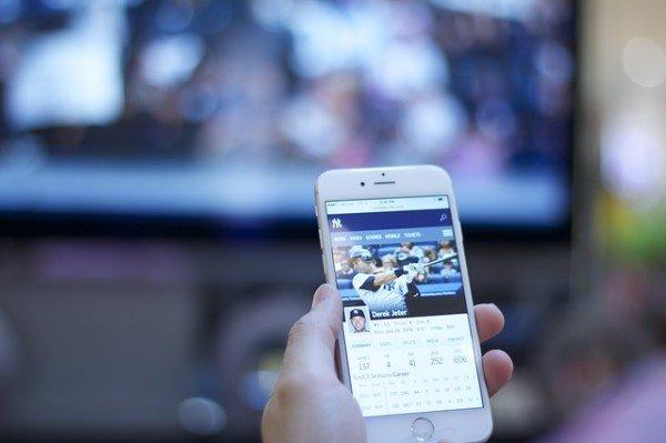 Web-tv e web-radio: ci vuole l'autorizzazione?