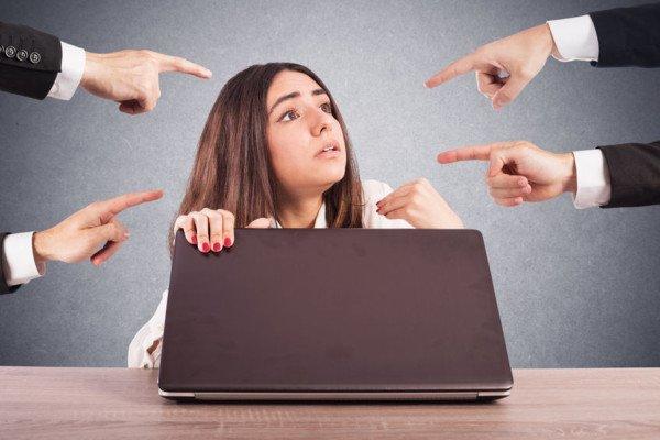 Accuse sul posto di lavoro: come difendersi