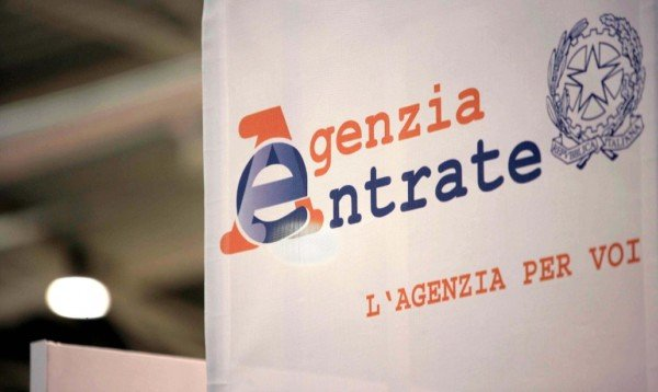 Difendersi dalle cartelle di pagamento: convegno Laleggepertutti a Napoli