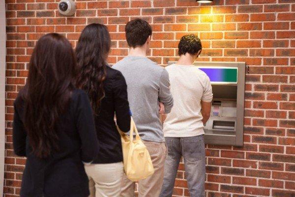 Tanti prelievi dal bancomat: cosa rischio?