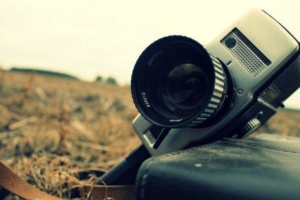 È legale filmare persone sconosciute?