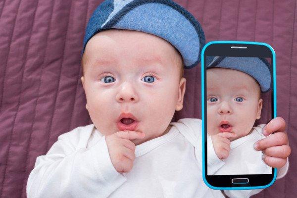 Come posso far cancellare da Facebook un'immagine di mio figlio?