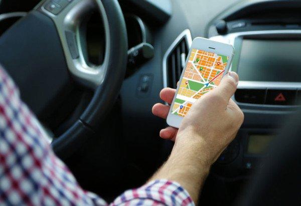 Guida con il cellulare: eccezioni