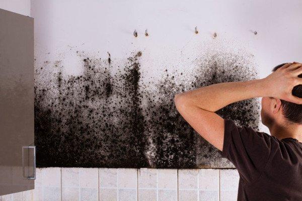Danni infiltrazioni acqua appartamento sovrastante