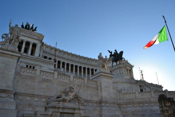 Cittadinanza italiana per il bambino straniero nato in Italia?